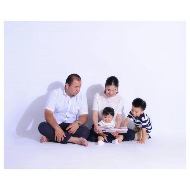 family portraits#家族写真 (Instagram)