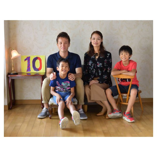 family photo #結婚10周年 (Instagram)