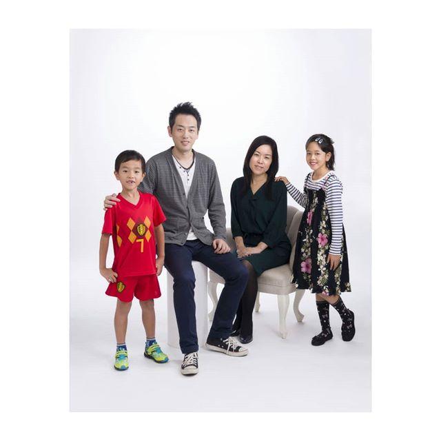 familyportrait #家族写真 (Instagram)